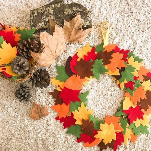 Couronne de feuilles à décorer