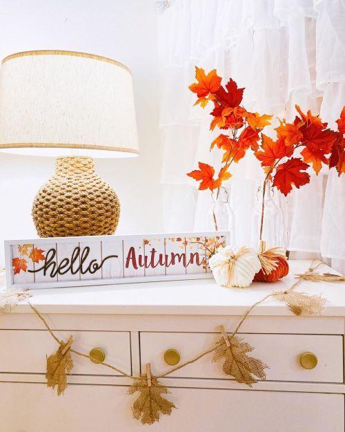 Décoration d'automne avec des feuilles