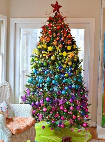 Arbres de Noël colorés