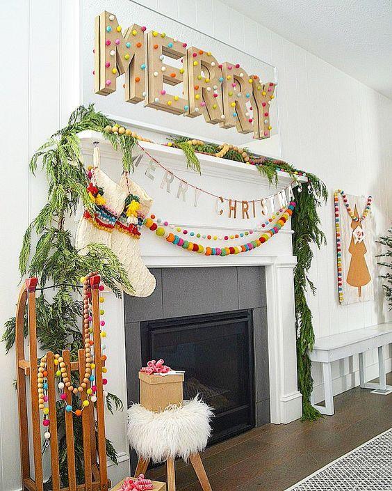 Cheminées de Noël colorées