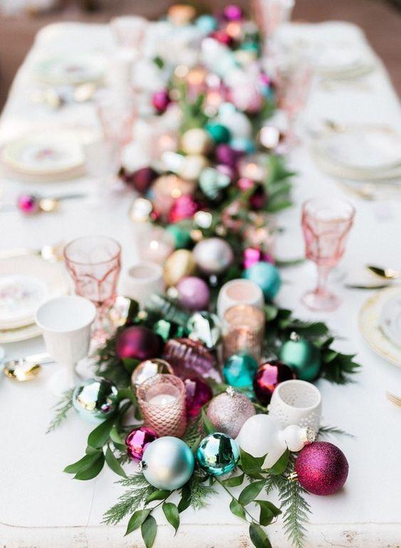 Table de dîner de Noël colorée