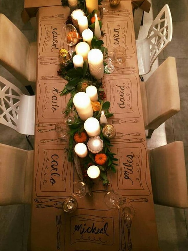 Table de dîner de Noël en or