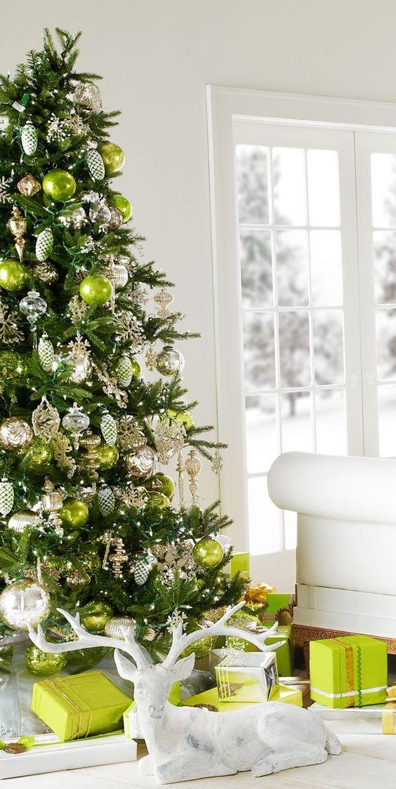 Arbres de Noël de couleur verte