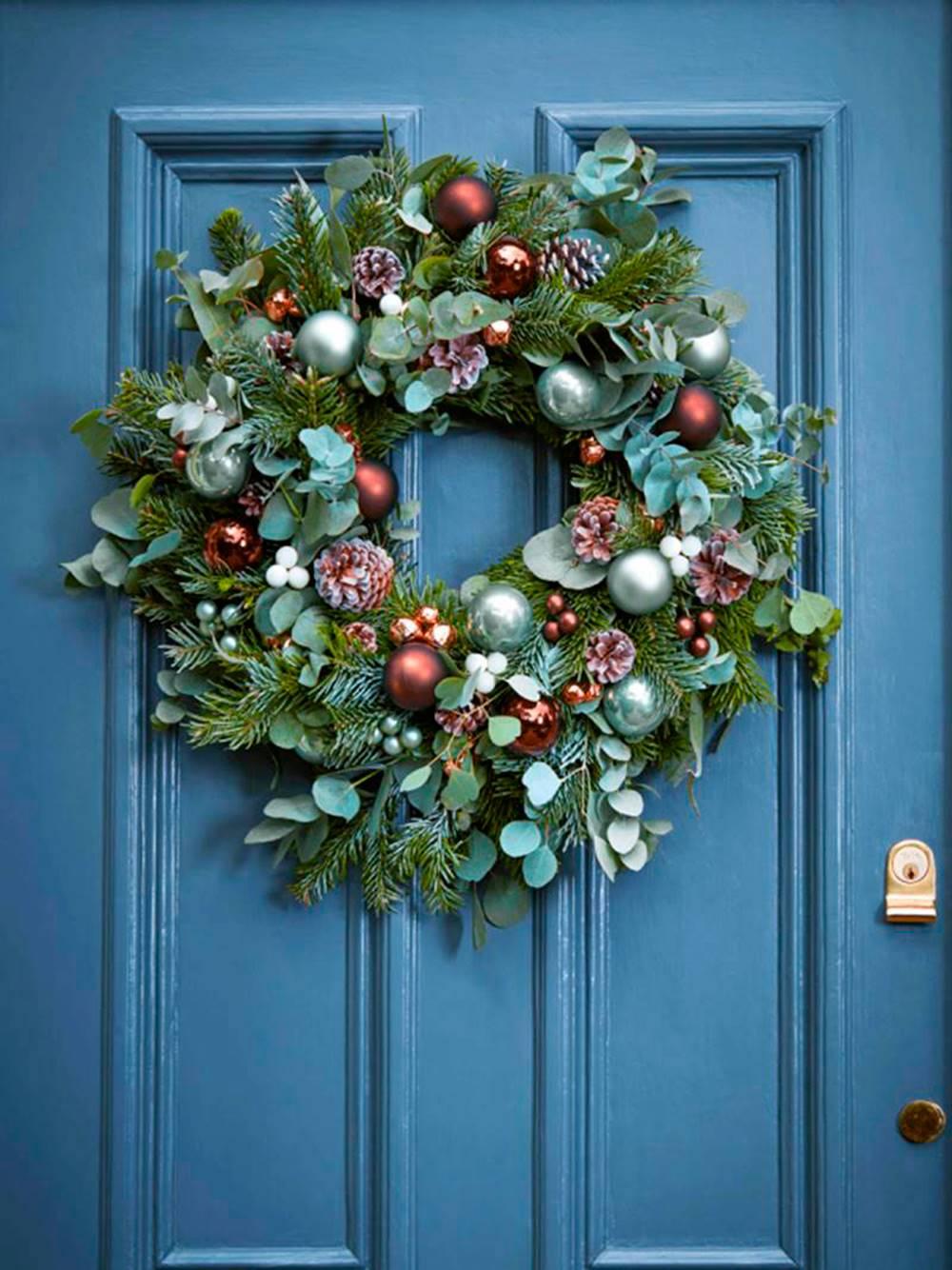 Comment décorer la porte de Noël